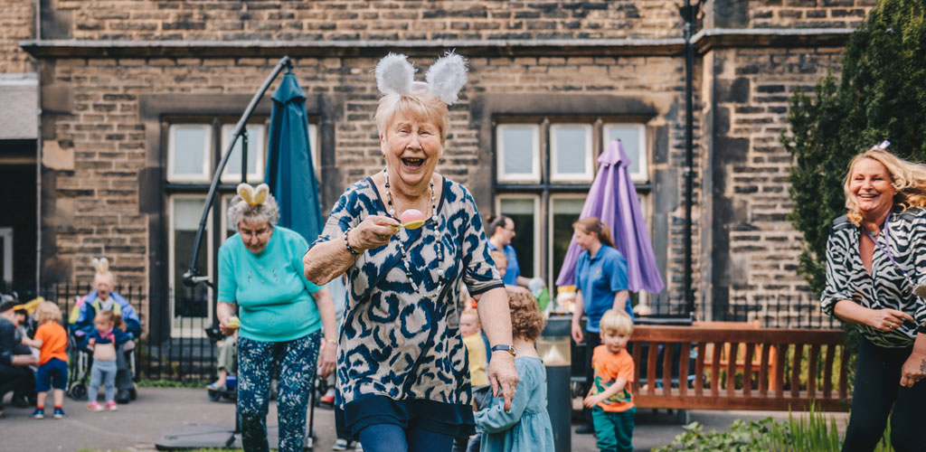 Reuniting the generations in Glossop